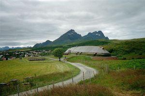 Image source: http://en.wikipedia.org/wiki/File:H%C3%B8vdinghuset,_Borg_i_Lofoten.JPG